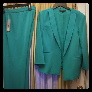 Preston  and York pant suit